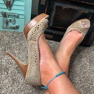 Enzo Angiolini Sully open toe platform pump heels